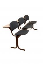 Блок стульев 3-х местный, с пюпитрами. Откидные сиденья.